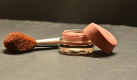 cosmetics-166774_1920
